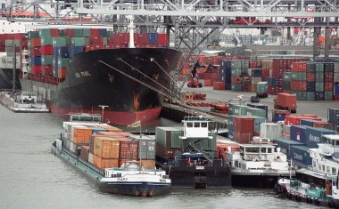 Hapag-Lloyd adds barge services to growing list of Rotterdam