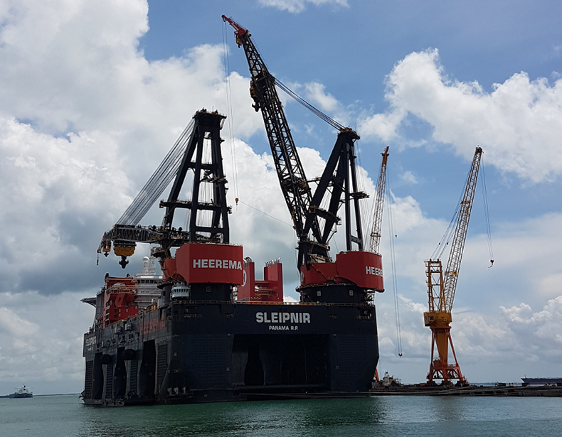 World's largest heavylift semisub, Sleipner
