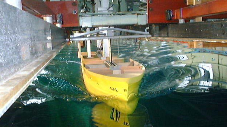 Design ship in testing tank