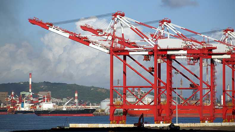 Kaohsiung port: robust growth in transhipment volumes for the transpacific trades. © Shi Yali/Shutterstock.com