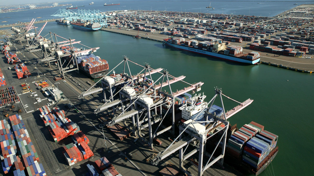 Los-Angeles_Pier-300_400-and-Container-Terminals