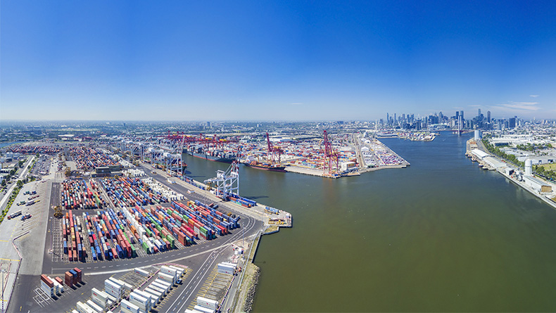 Melbourne: aerial view of container port