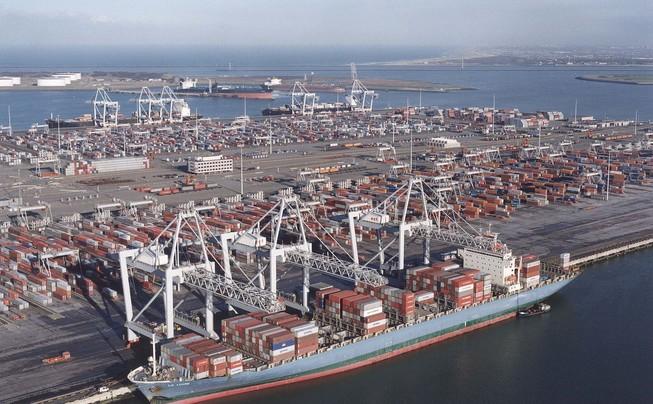 APMT To Sell Rotterdam Terminal :: Lloyd's List