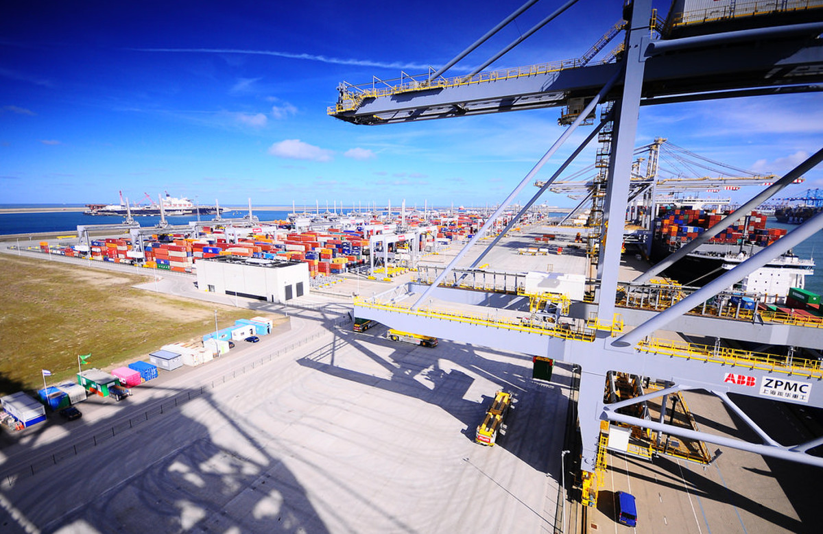 Ports are failing at automation, says McKinsey :: Lloyd's List