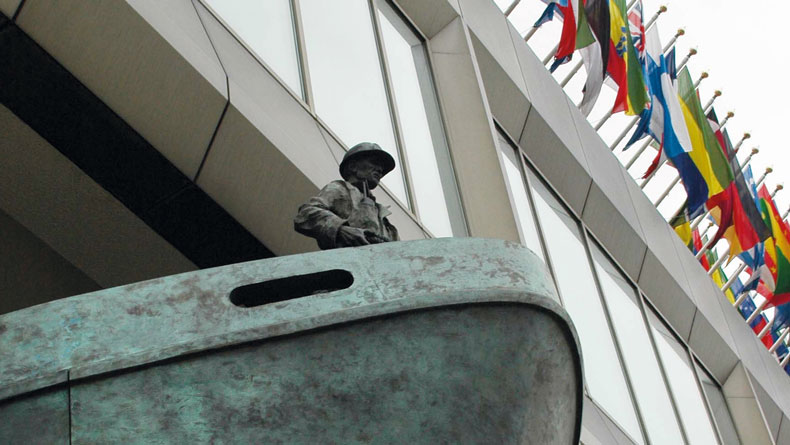 Seafarer statue at the IMO HQ