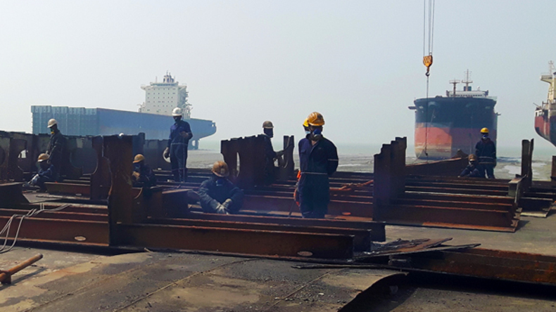 Bangladesh ship breaking yard