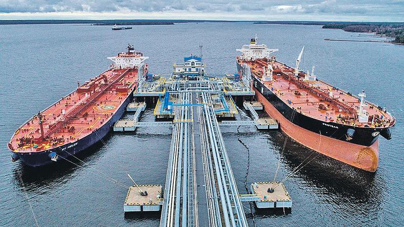 Baltic tanker earnings slump even as Russian exports climb