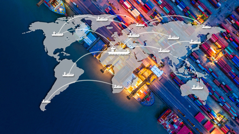 Smart containers logistics Travel mania_Shutterstock.com