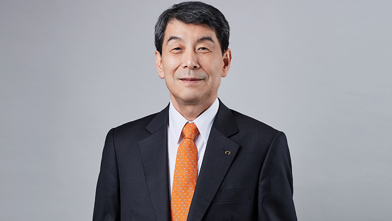 Lee Dong-gull, chairman, KDB